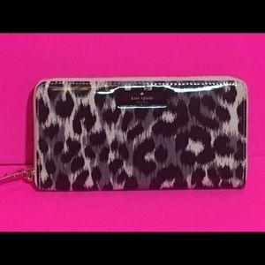 Kate Spade Grey Leopard Print Neda Wallet NWT